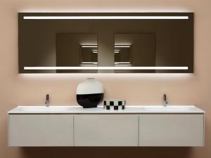 Antonio Lupi Spio specchio rettangolare con 2 led bianchi. cod. SPIO150W Specchio rettangolare con 2 led bianchi, 198x50x0,5cm. Su richiesta altre dimensioni e altre versioni. Spio è una collezione di specchi, dalle numerosi dimensioni e soluz
