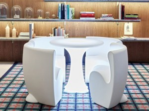 Myyour Community 4 tavolo con led RGB e sedie 12110COMM
